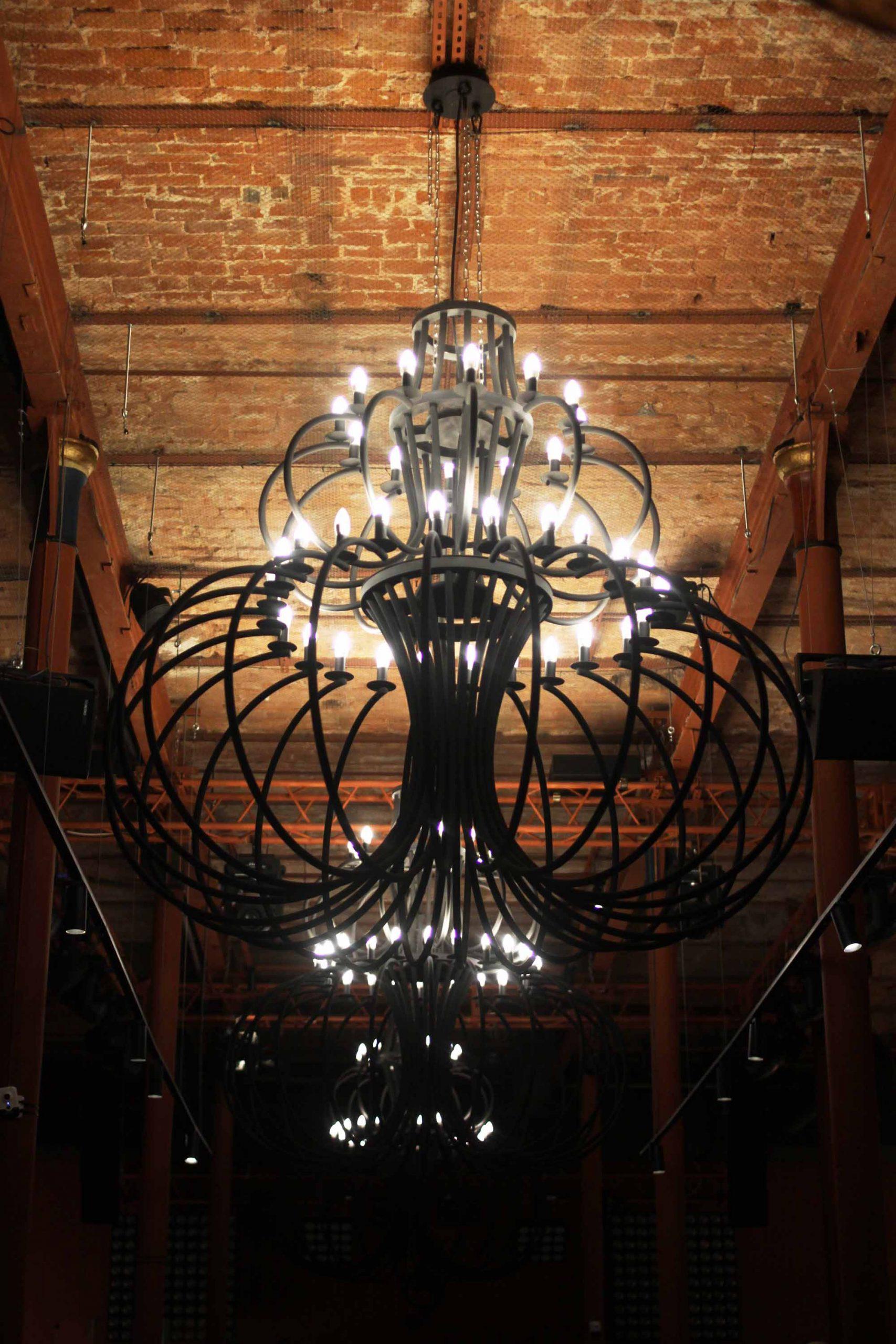 Большой светильник в ресторан Тбилисси