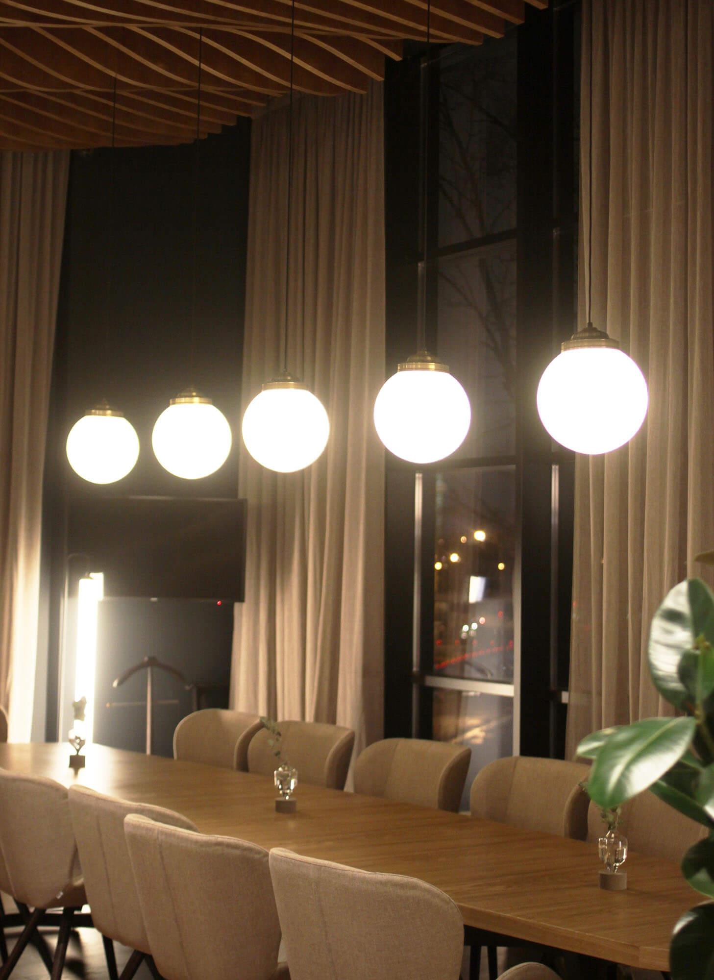 Светильники-шары ресторан Hamster