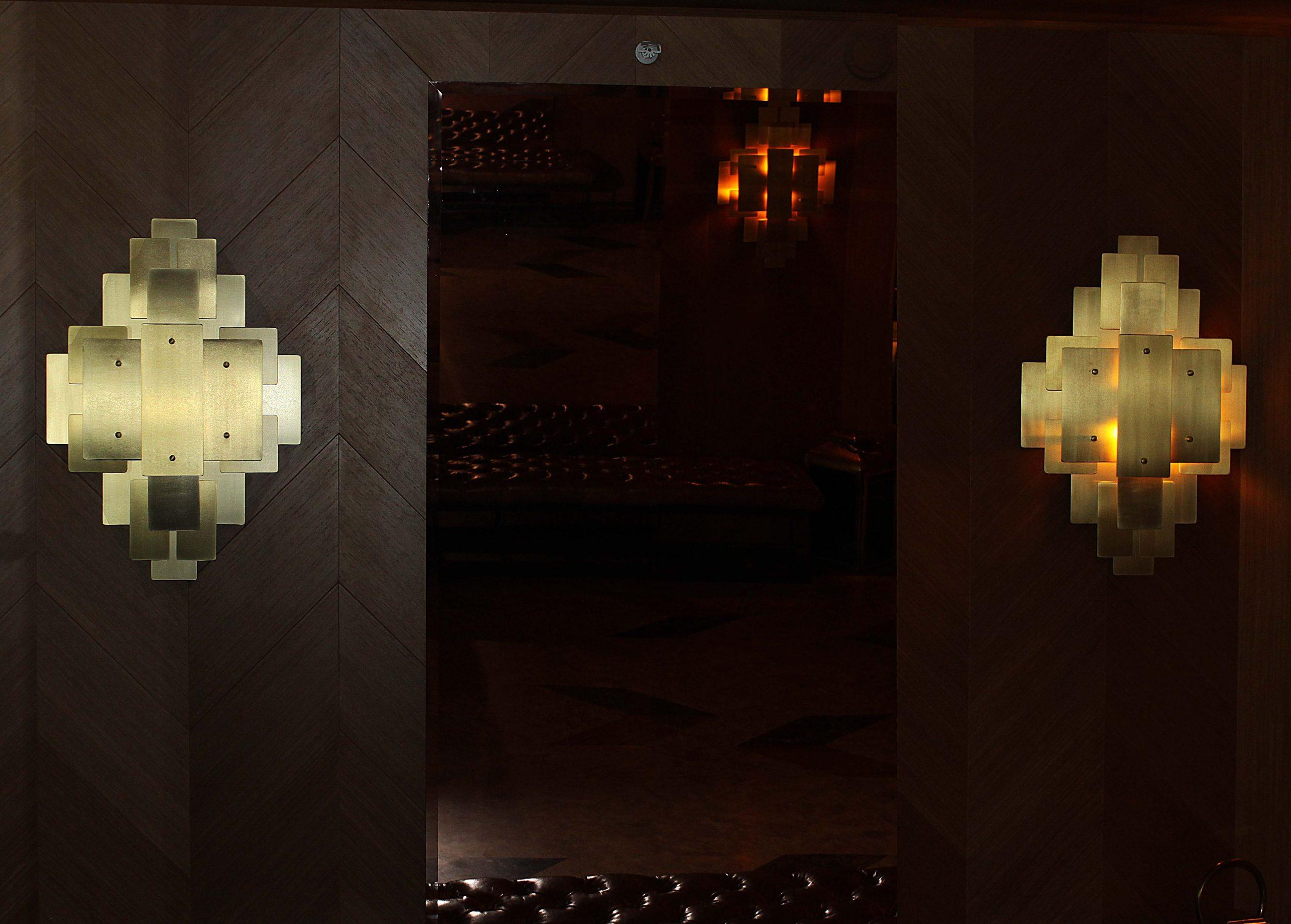 Latunniy svetilnik